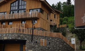 Front of chalet Lievre Blanc
