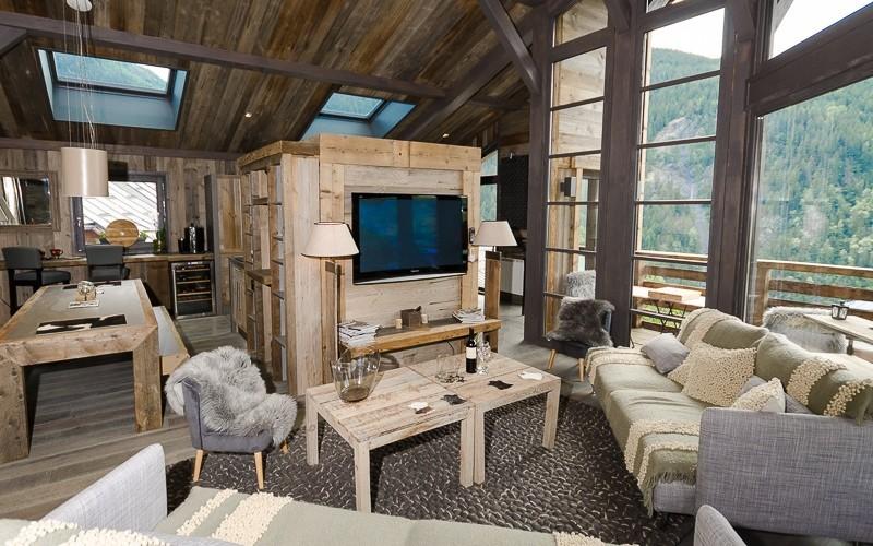 stunning lounge area