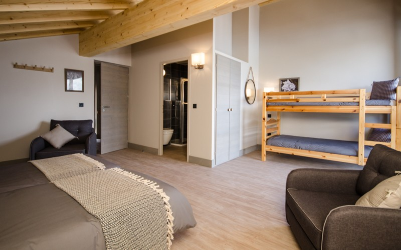 Chalet Hermine top floor family suite