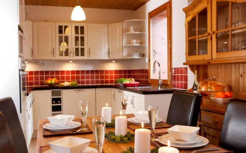 Chanterelle dining to kitchen