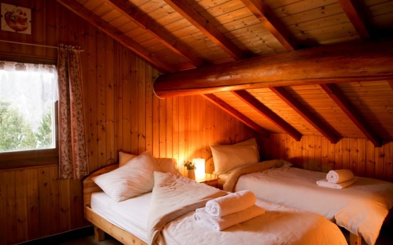 Chanterelle bedroom 1